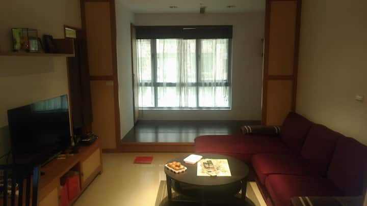 Private room. 7 min from Hongshulin MRT Stop.