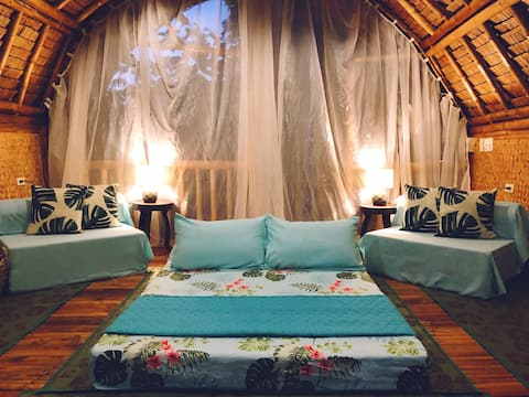 Farm Stay Chic Glamping, 2-4 guests