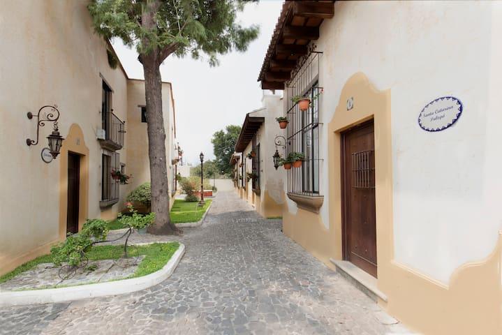 Apartamentos San Bartolo, Antigua Guatemala