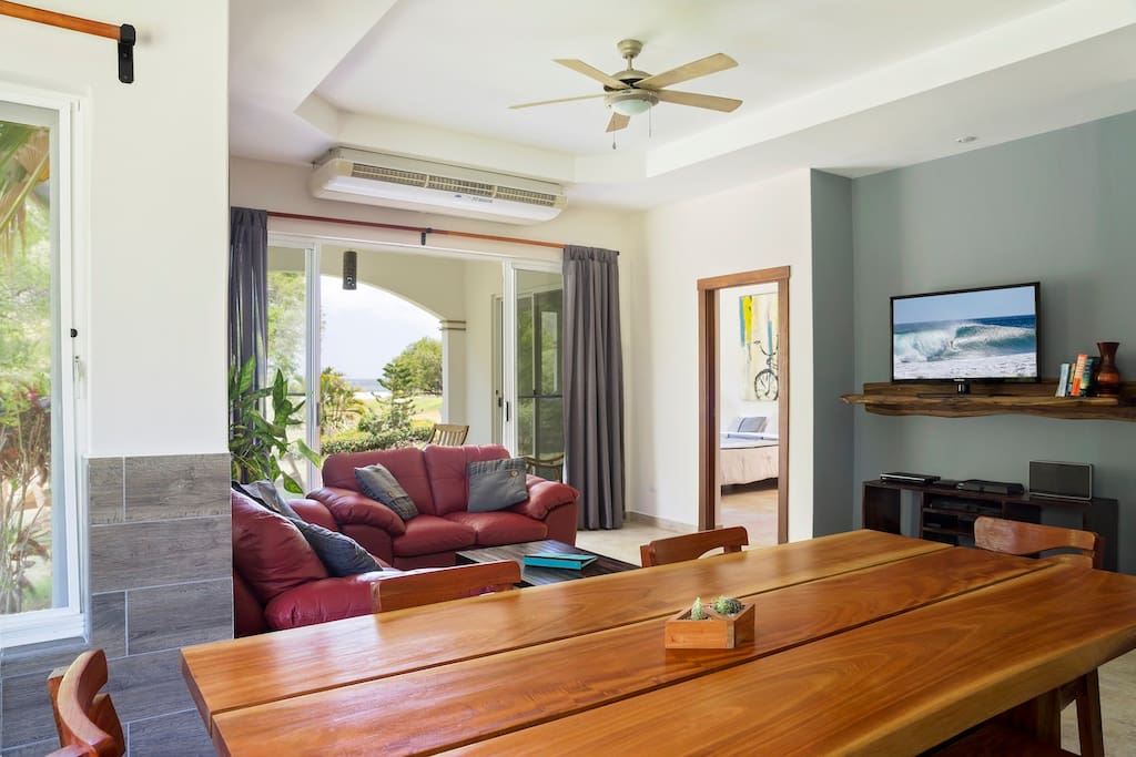 Living and Dining area - Plasma TV, Satellite, 100 DVDs, Bluetooth stereo.