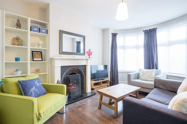 Two Bedroom House - Leagrave station, Luton