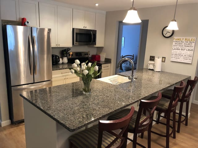 Modern 3-bed Condo in Forest Ridge, Lincoln NH