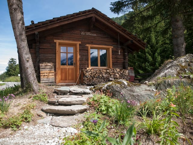 Le Mazot, Traditional Alpine Chalet nr Zinal