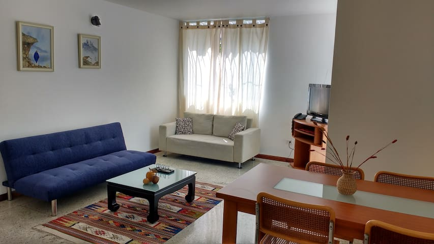 Comfortable apartment in Los Palos Grandes - Caracas - Byt