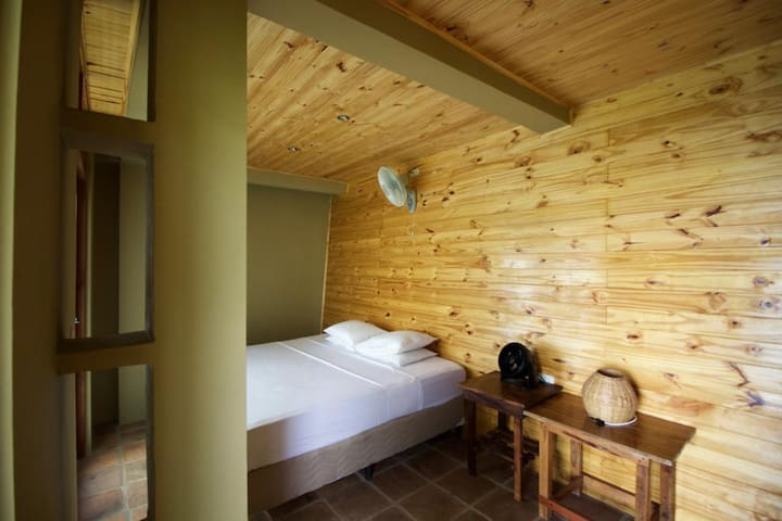 Apoyo Lodge - Lakefront Room - Masaya - Bed & Breakfast