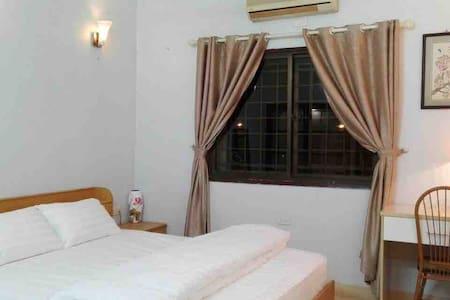 Cozy Private Room In Charming Hanoi Neighborhood