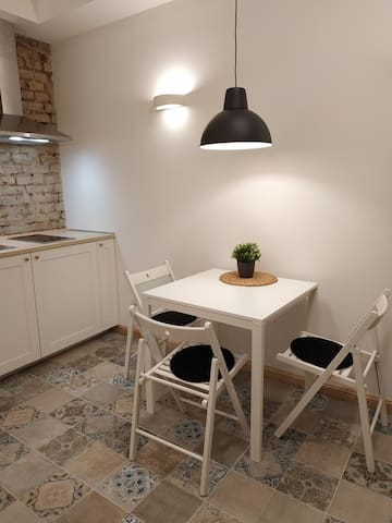 Modern and minimalist apartment near the old town