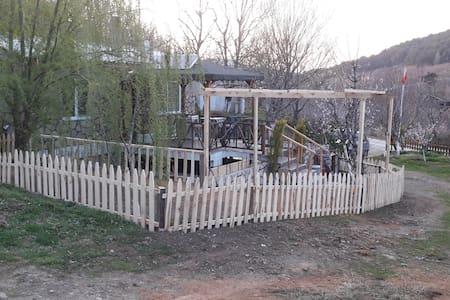 Girgin bahçe kiralık taş evleri