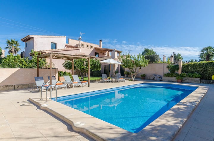 PULA VIÑAS - Traditional villa with private pool only 5 km from the beach Free WiFi