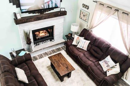 Come enjoy a relaxing getaway in the Poconos