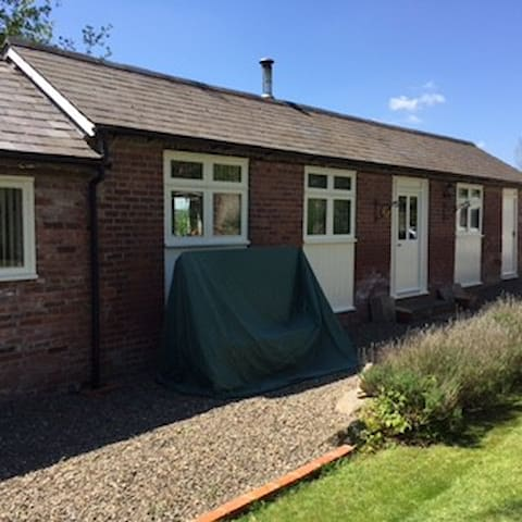 Converted Barn Annexe near Ludlow - Shropshire - Bungalow