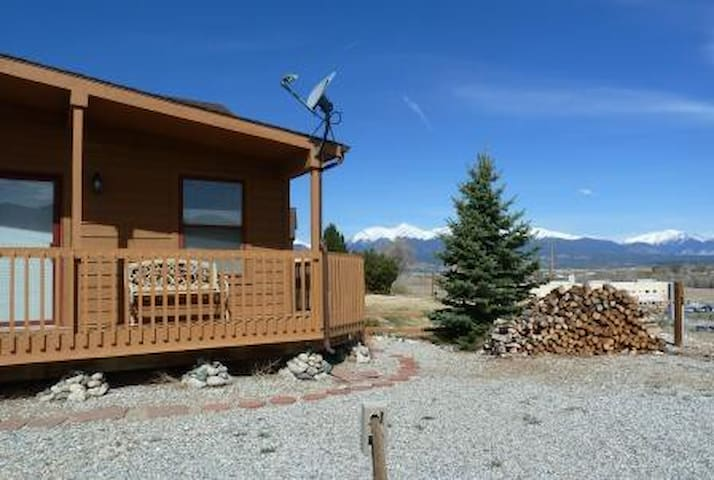 Villa on the Green- Near Golf Course and 20 minutes to Monarch Mountain