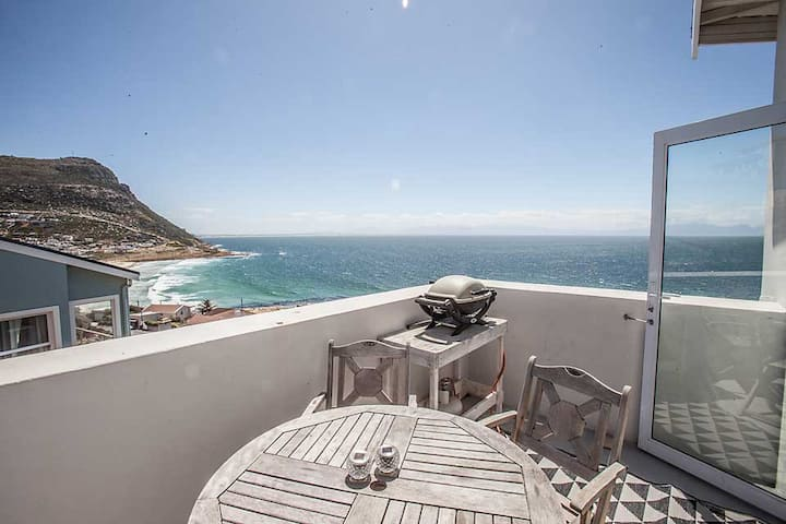 Holiday with a view -2 bedroom modern flat