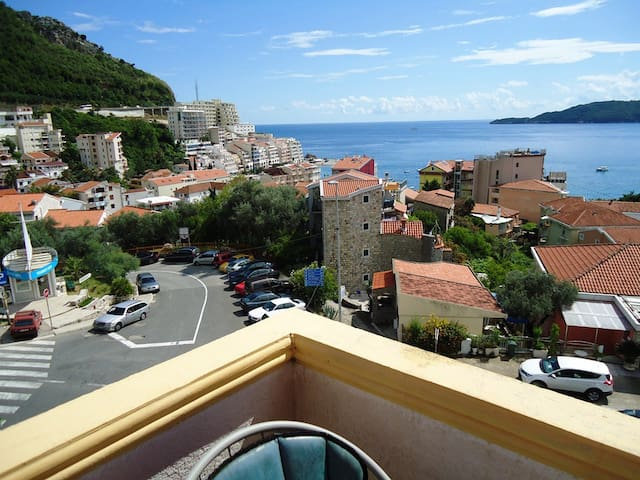 Studio Apartment with terrace and sea view - IVANA - 布德瓦