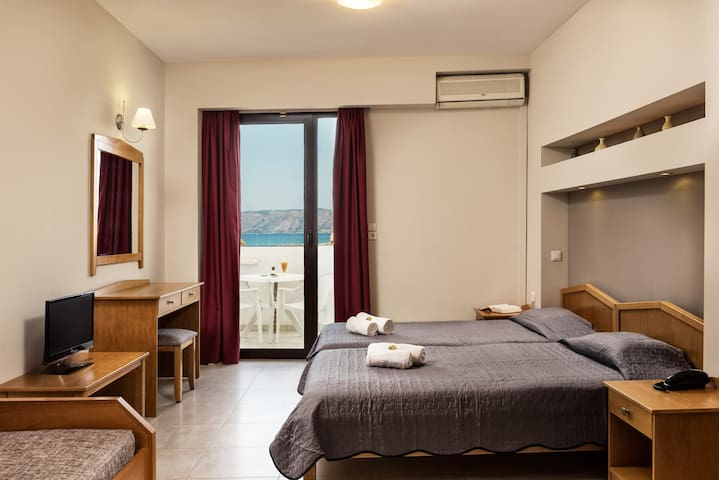 Mirtilos Studio (3 adults) - Kissamos - Bed & Breakfast