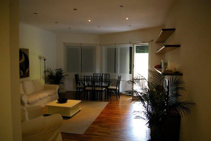 Beautiful apartment in a very safe condominium