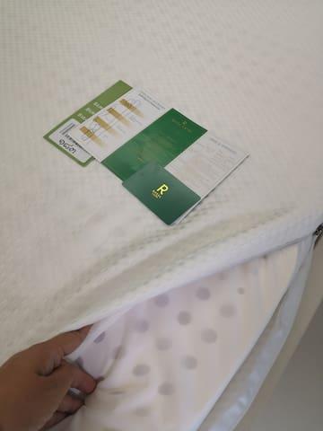 进口乳胶床垫,保证舒适睡眠