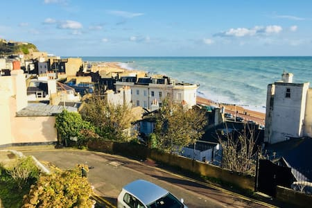 Coastguard Apartment with Sea Views in Hastings