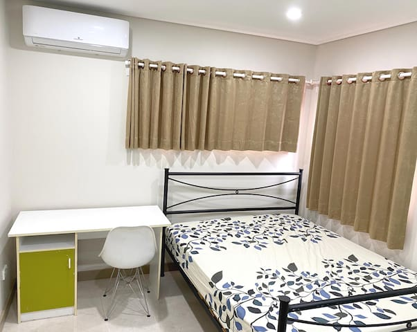 Private room in modern house near UNSW