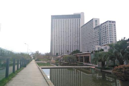 澄江抚仙湖精致公寓酒店 - Yuxi