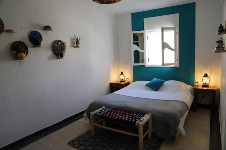 Blue Waves Surf House - Standard Double Room