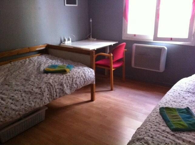 Alpha-Oméga chambre 1 lit une personne chez Maria