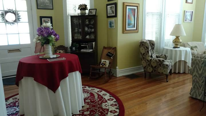 Baker Street Bed and Breakfast at Delfryn Place