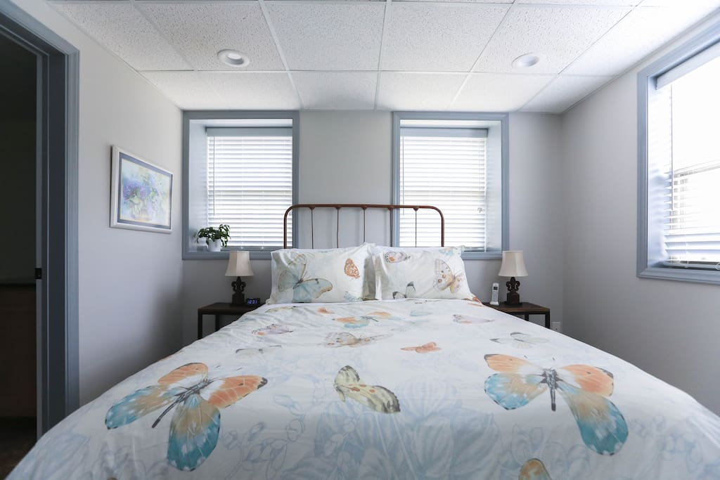 A cozy queen size bed awaits, with high quality linens for your comfort.
