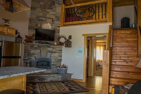 Mountain Inn: 1 BR w/ Loft Condo - Afton Wy - Afton - Wohnung