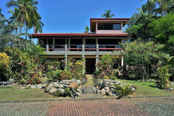Boca Barranca Surf Villa Compound