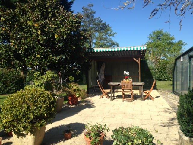 Petit gîte dans propriété équestre - Voivres-lès-le-Mans - House