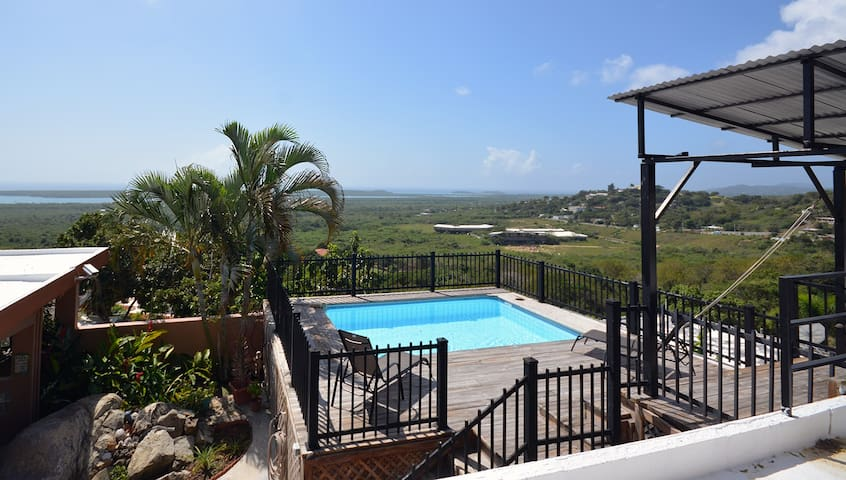 2 BR Home with a Caribbean View -Sleeps 4