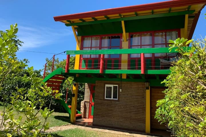 Private Room, 10 min from Airport Sjo, Alajuela.
