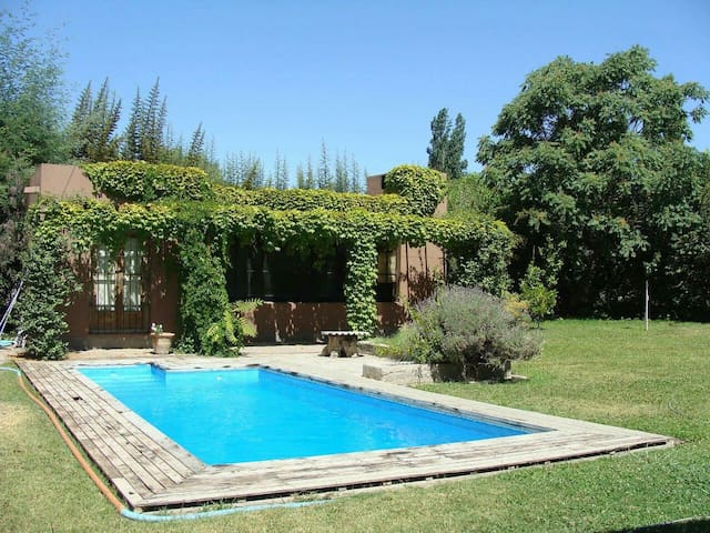 Comfortable house near mountains in Chacras w/pool - Chacras de Coria - Hus