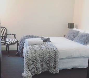 The Barkly affordable hotel room 10 incl  breaky