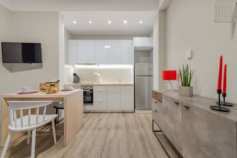NEW-Stylish & Bright Apartment in the City Centre