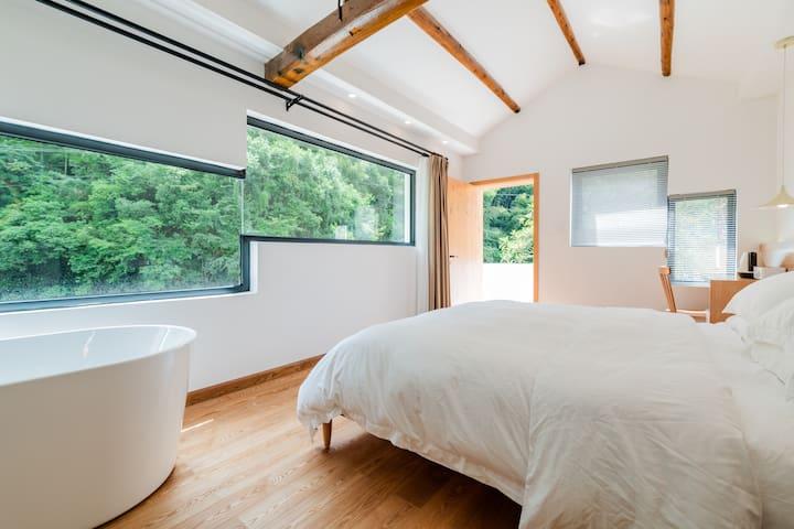 【岩朵·热河】桐庐芦茨石舍古村 | 整屋地暖 | 一线溪景 | 临窗浴缸 | 送早餐 |