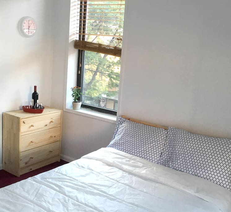 Bed with 3-drawer Chest