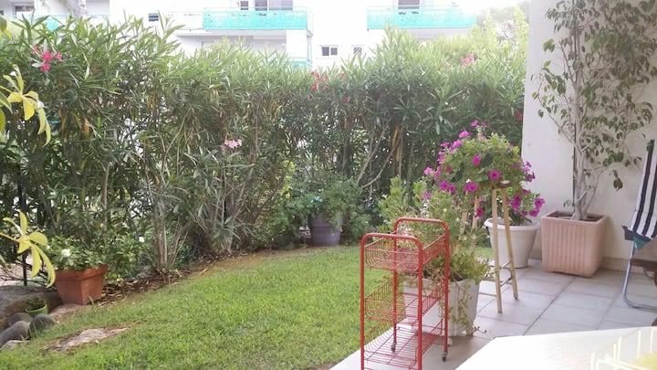 Chambre individuelle ds appartement rez-de-jardin