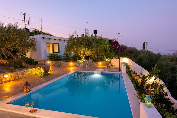 Villa Douloumi - Cretan House