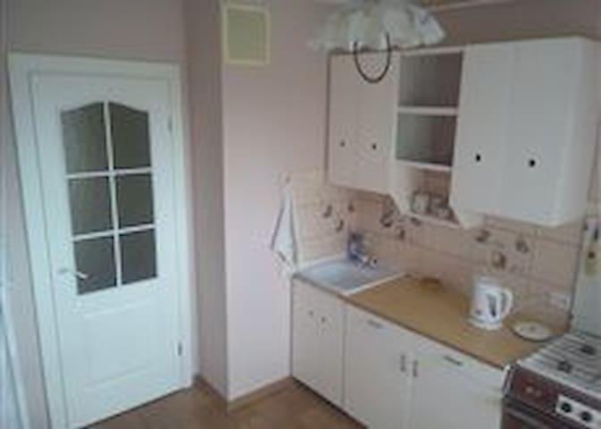 Удобная 2-комнатная квартира в новом доме - Hrodna - Apartamento