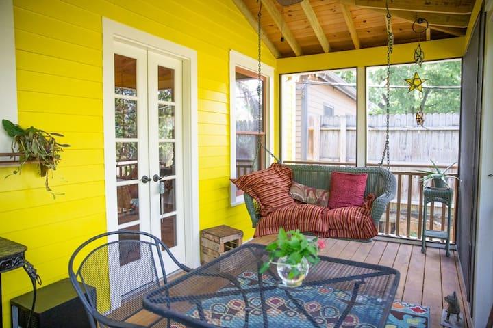 Bright & Brilliant Historic Home near DWTN! Pet Fr