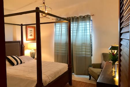 Large  suite close to beaches good Wi-Fi