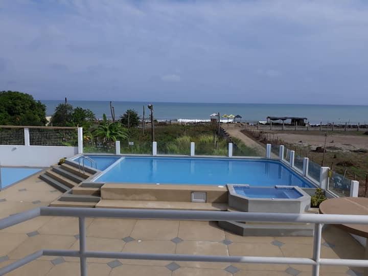 Suite en Tonsupa a una cuadra de la playa