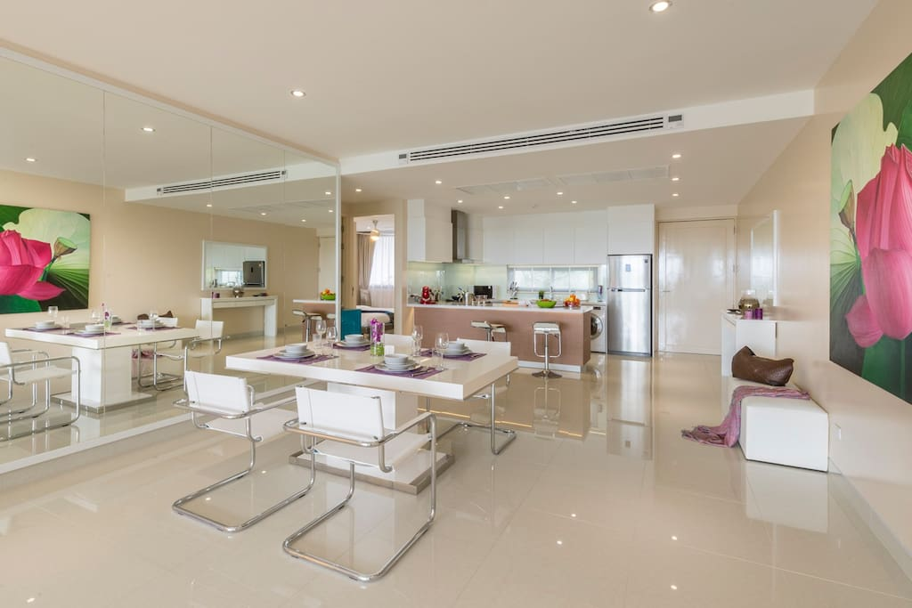 Dinning opne Kitchen
