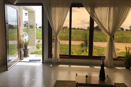 Casa aconchegante no Condomínio Sonhos da Serra