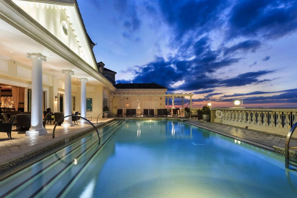 """Rooftop Pool? Check! Watch the nightly Disney Fireworks while enjoying dinner at the restaurant """"Eleven""""."""