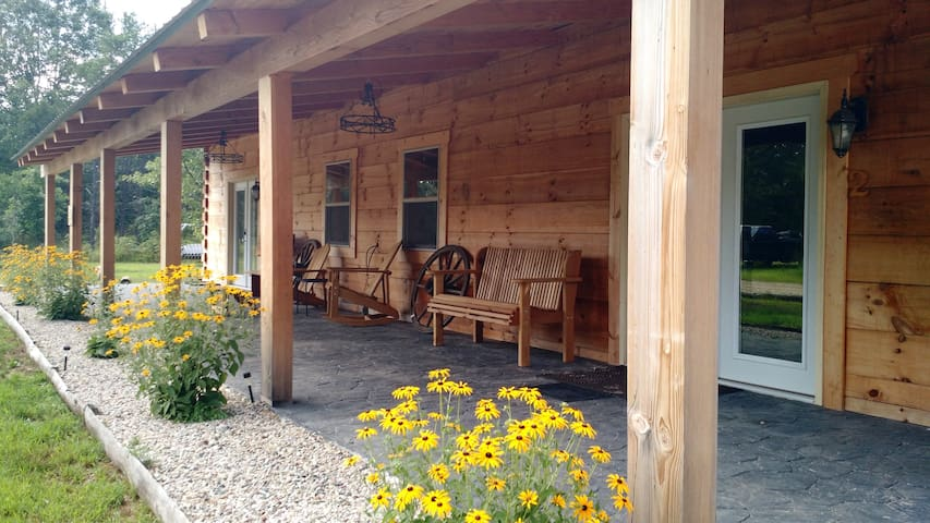 Cozy full LogCabin Villa Convenient & inexpensive - Necedah - Villa