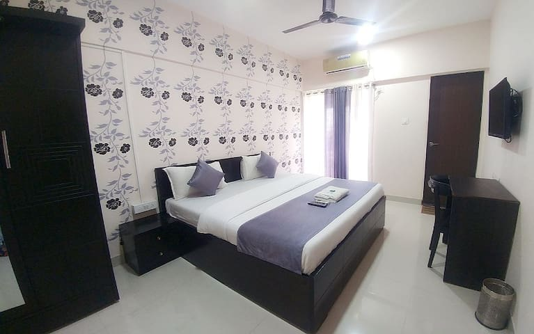 Private Room in Thane west