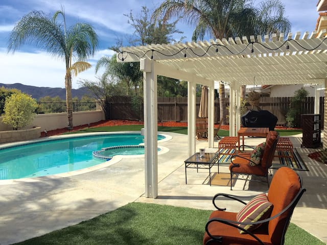 Gorgeous Vacation Home In Wine Country - Pool/Spa - Temecula
